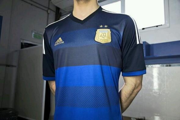 Argentina lança novo uniforme alternativo para o Mundial – Futebol ... bcdf88efa2120