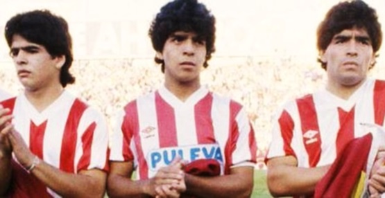 Hugo, Raúl e Diego Maradona juntos, em amistoso pelo Granada contra o Malmö. Diego marcou de falta